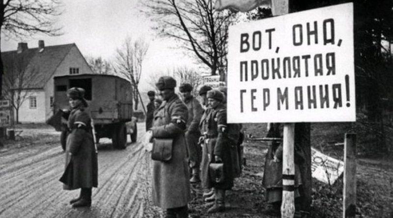 """""""Безсмертний полк"""" з фотографіями зґвалтованих і вбитих """"дєдами"""" жінок варто організувати в Польщі, Німеччині, Україні"""